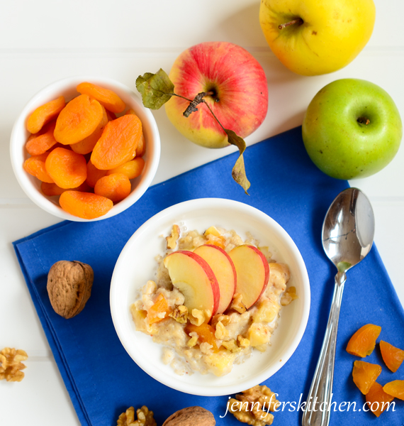 Delicious and Slimming Oatmeal Breakfast