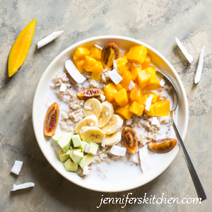 Rice with mangoes, bananas, avocado