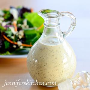Creamy-Italian-Salad-Dressi